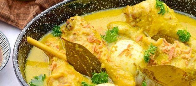 Cara Membuat Opor Ayam Tahu Kuning Special Kuah Gurih