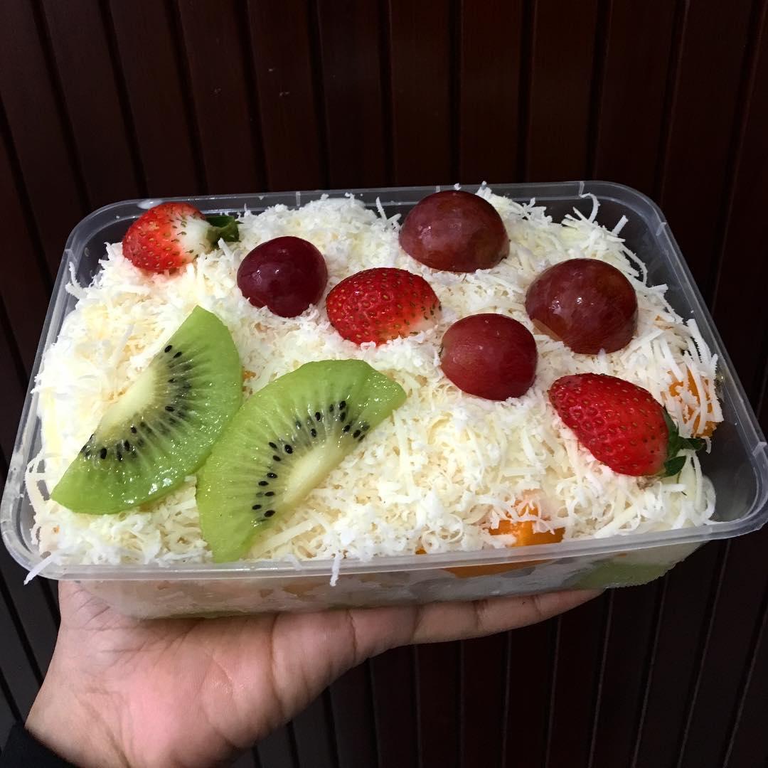Cara Membuat Salad Buah Yang Segar Dan Sederhana