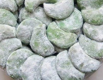 Resep Kue Putri Salju Pandan Kacang Tanah Renyah Lembut