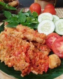 Resep Ayam Geprek Wong Klaten (Ayam Goreng Tepung Sambal Bawang)