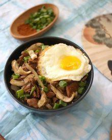 Resep Gyudon Beef Bowl Jepang ala Yoshinoya 100% Halal