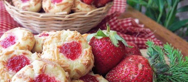 Resep Strawberry Thumbprint Cookies Yang Renyah, Manis dan Gurih
