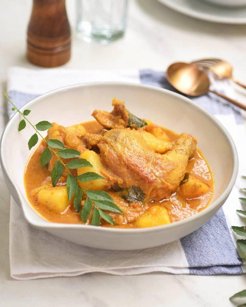 Cara Membuat Kari Ayam Kampung Kuah Gurih Yang Empuk ...