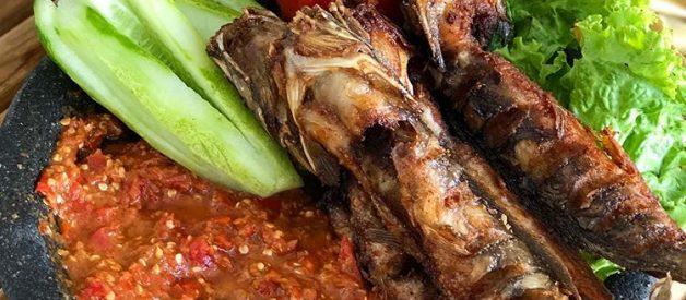 resep pecel lele sambal lamongan ala warung tenda  gurih  pedas bikin nagih Resepi Masakan Warung Enak dan Mudah