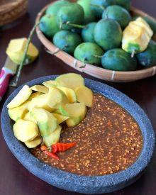 Resep Rujak Buah Mangga Bumbu Kacang Pedas Cocok Untuk Ibu Hamil dan Pecinta Rujak