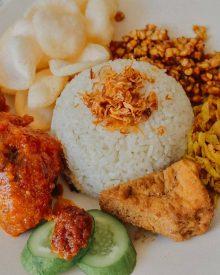 Resep Nasi Uduk Rice Cooker Komplit Khas Betawi Super Gampang, No Ribet dan Anti Gagal