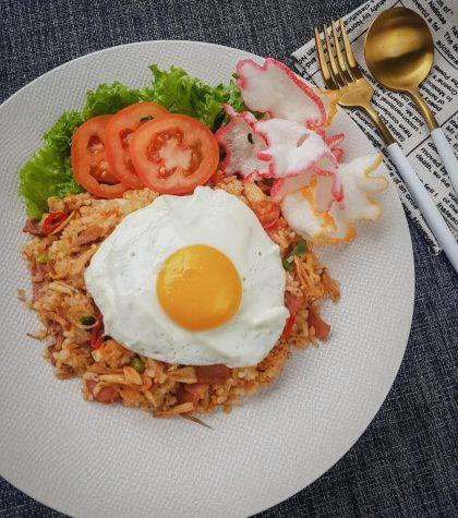 Resep Nasi Goreng Spesial Komplit Bakso Telur Udang Ayam Super Endeus!