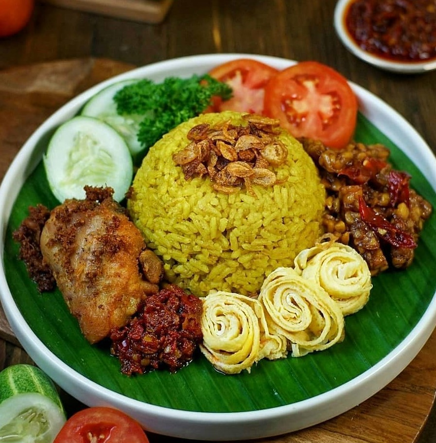 Resep Nasi Kuning Wangi Gurih dan Pulen
